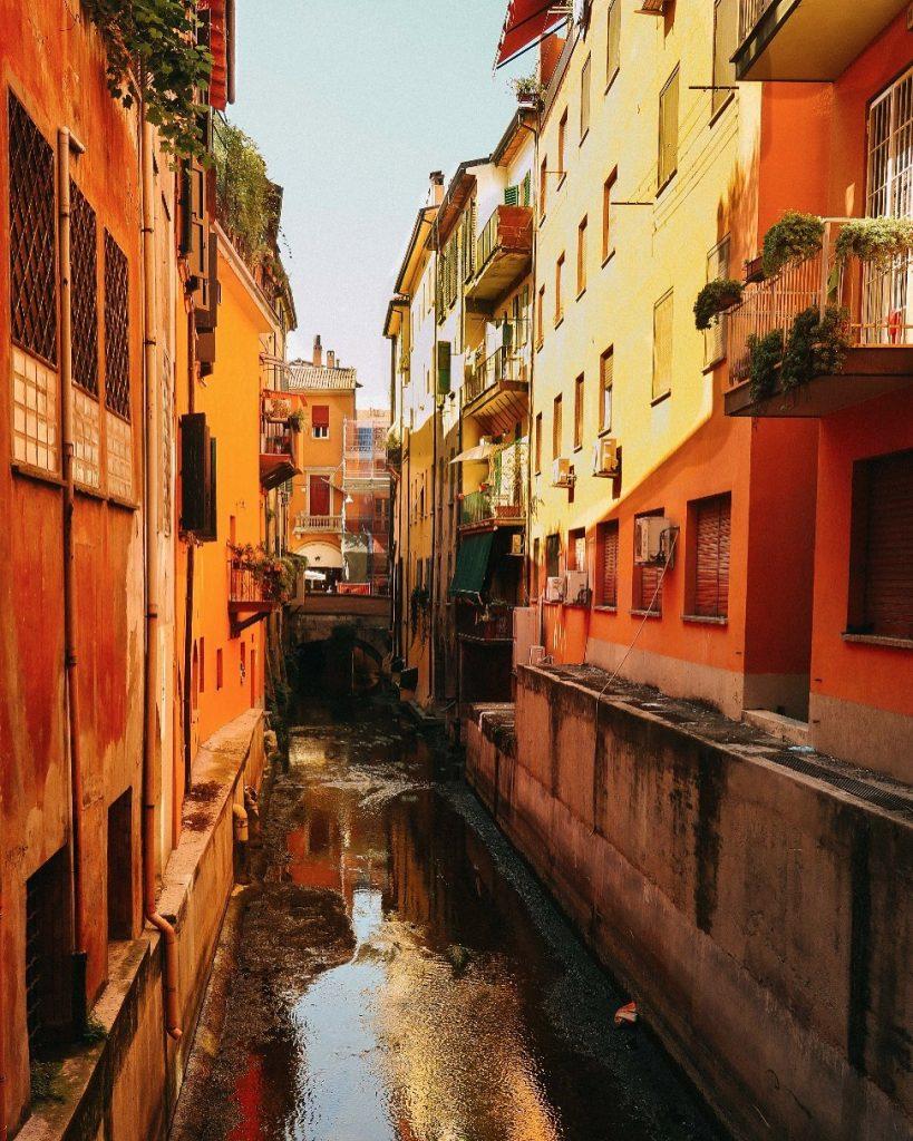 bologna's hidden canals