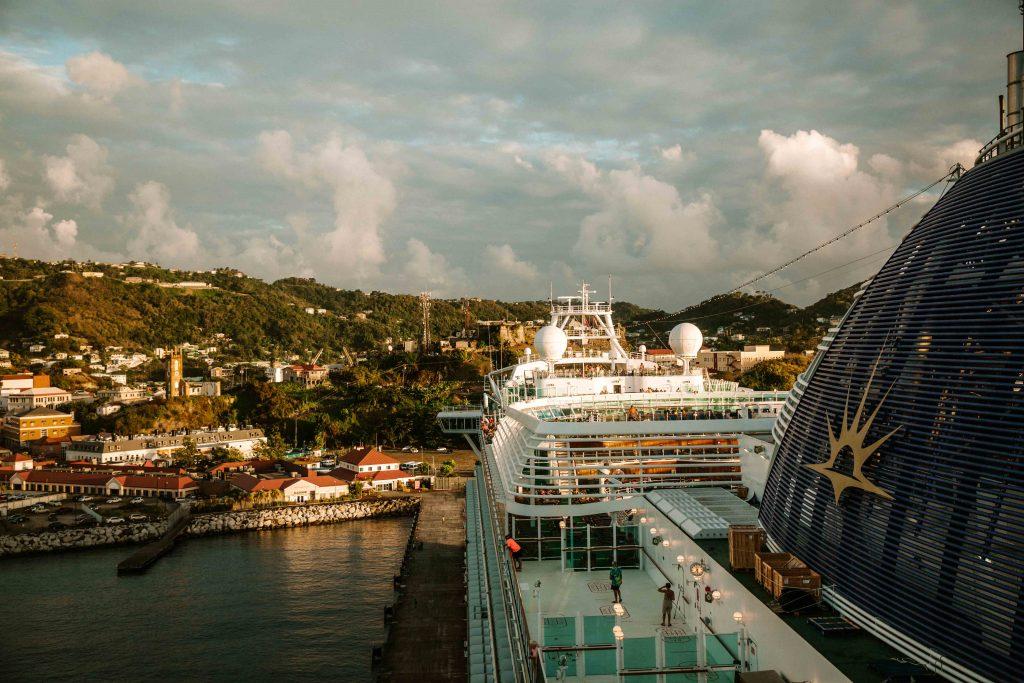 azura p&o cruise ship